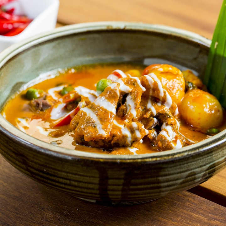 Ruam red duck curry